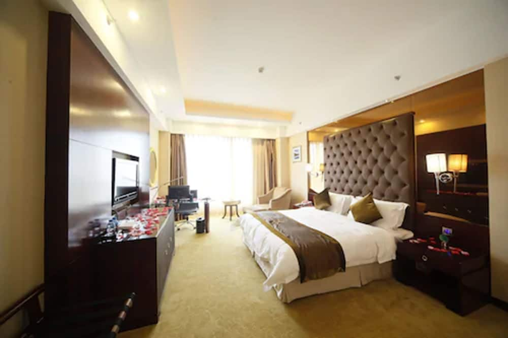 Room, Royal Prince Hotel
