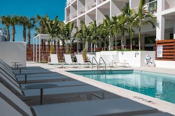 Astounding The Sarasota Modern A Tribute Portfolio Hotel Reviews Theyellowbook Wood Chair Design Ideas Theyellowbookinfo