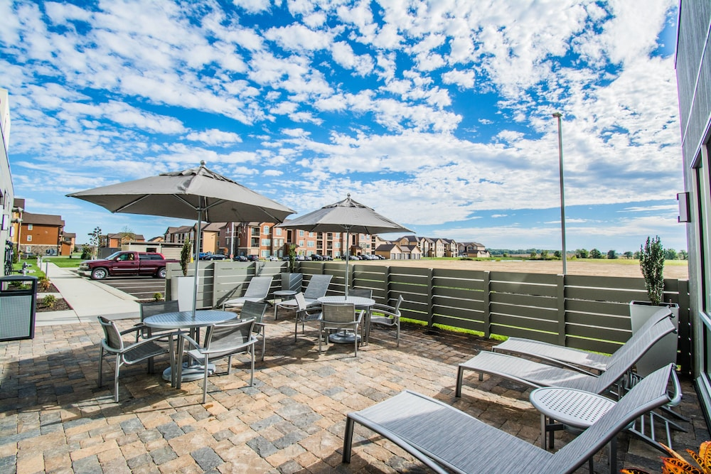 Terrace/Patio, Towneplace Suites by Marriott Evansville Newburgh