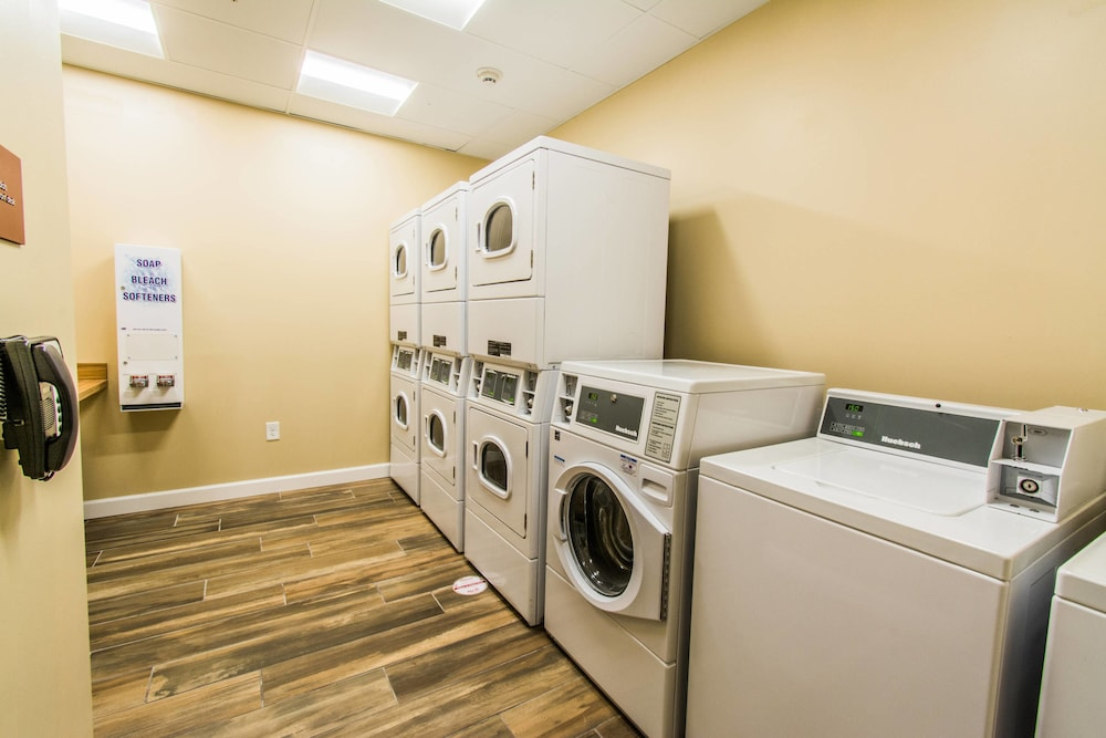 Laundry, Towneplace Suites by Marriott Evansville Newburgh