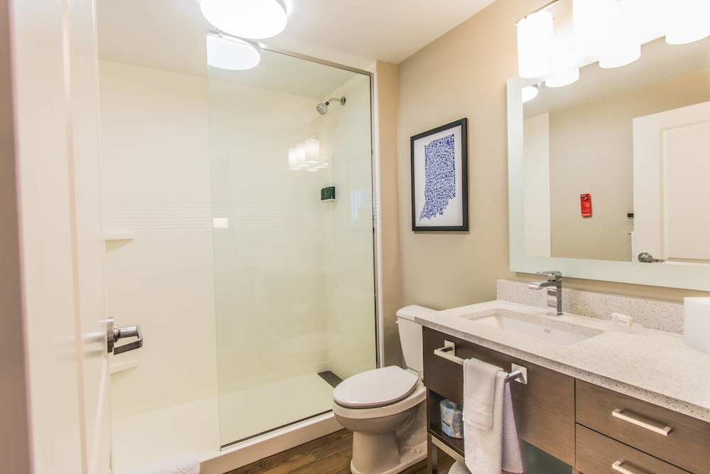 Bathroom, Towneplace Suites by Marriott Evansville Newburgh