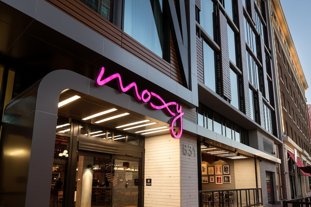 Moxy San Diego Downtown Gaslamp Quarter In San Diego Hotel Rates