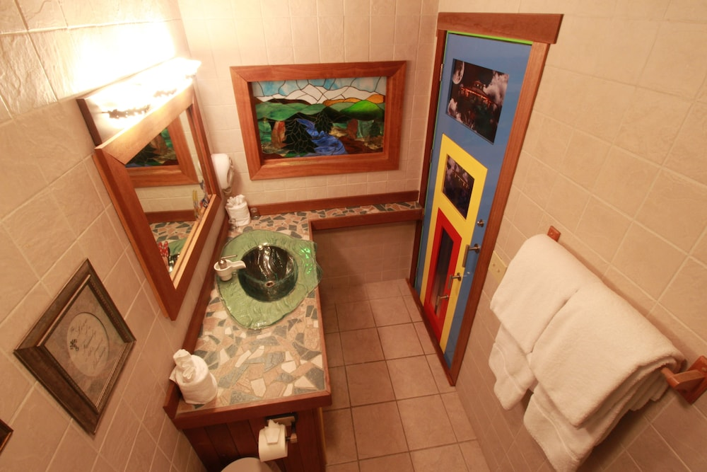 Room, Adventure Suites