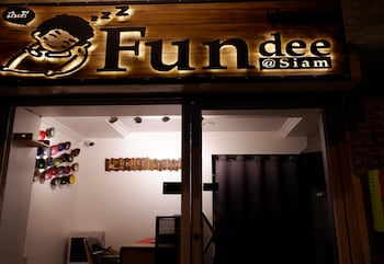 Fundee at Siam Hostel - Adults Only