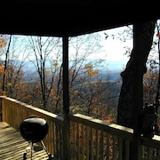 High up on Mtn - View & Hot Tub for an 'altitude-adjustment'