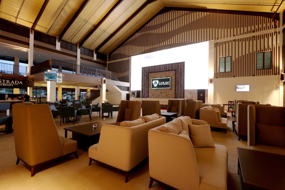 Lanjut Beach Golf Resort In Kuantan Hotel Rates Reviews On