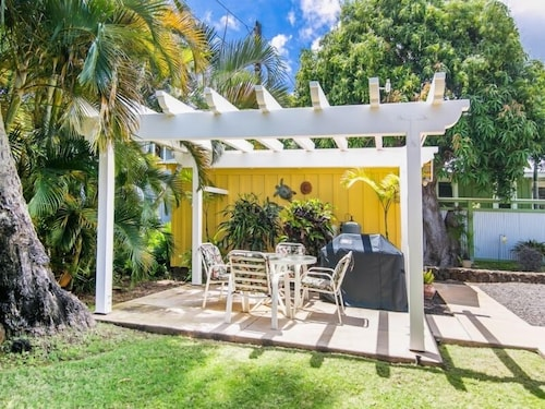 In-Room Dining, Delightful Plantation Cottage Steps From Beach 100% Refund for 14day Restriction