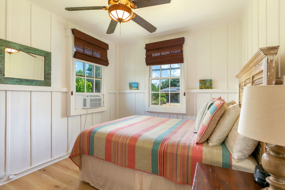 Room, Delightful Plantation Cottage Steps From Beach 100% Refund for 14day Restriction