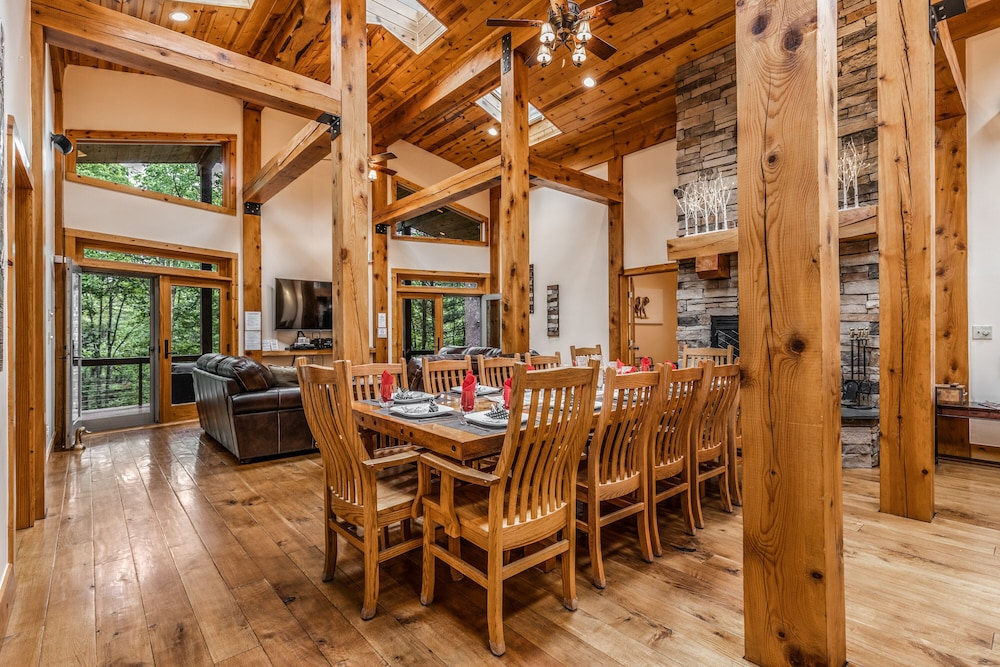 Private Kitchen, 200-acre Double Bore Ranch - 6 Bedroom, 8 Bathroom Lodge, Sleeps 18