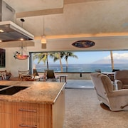 Beautiful Fully Remodeled 2 Bedroom Oceanfront Condo Makena Surf F307