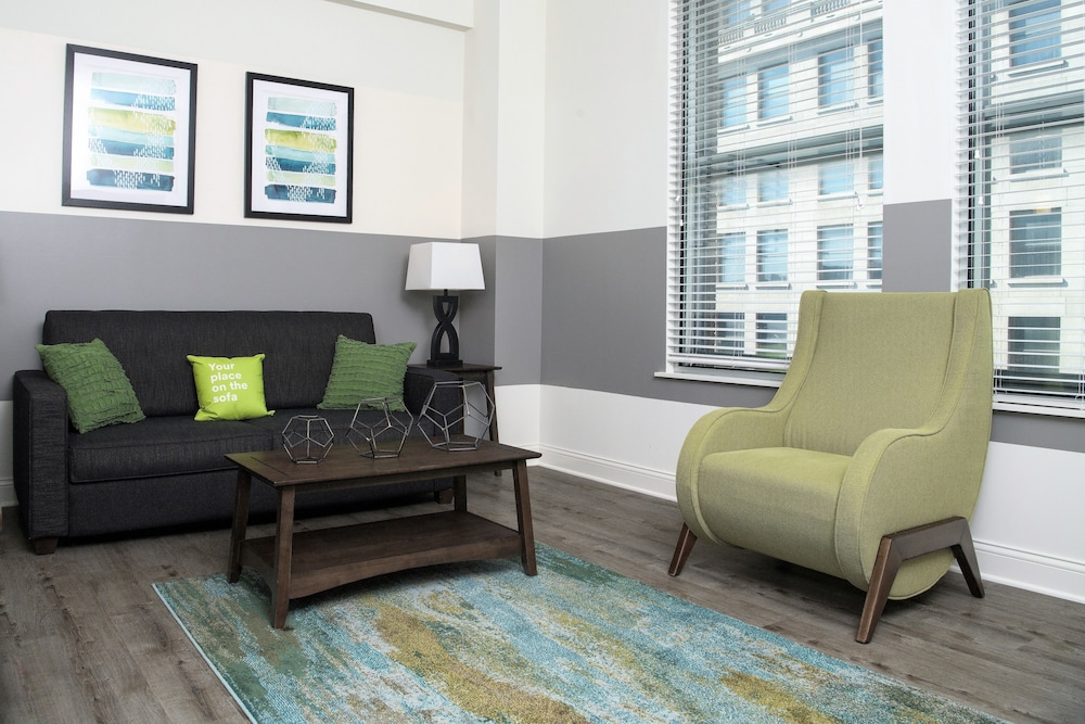 Living Room, Stay Alfred at Penn Street Tower