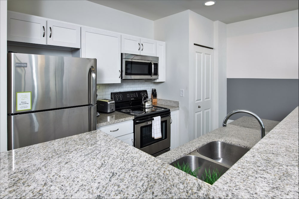 Private Kitchen, Stay Alfred at Penn Street Tower