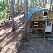Tiny House/cabin Close To The Dells Secluded 10 Ac--the Hide Out Cabin..