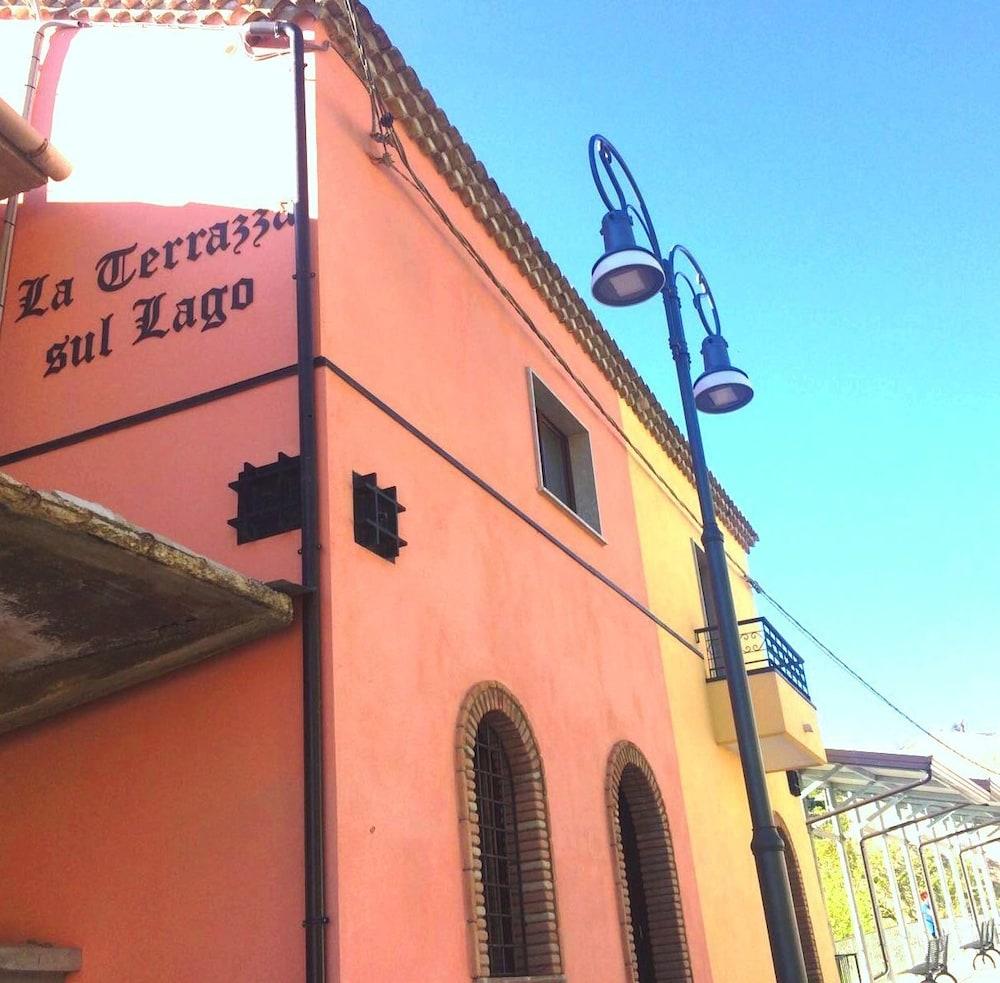 La Terrazza Sul Lago Gruppo Caputo In Conza Della Campania
