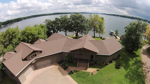 Spacious Lake Home on Beautiful Cedar Lake