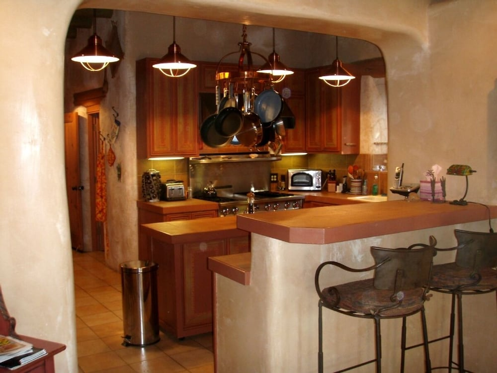 Private Kitchen, Experience Dragonfly Estate..6000sq ft, Luxury Retreat. Great Snow!