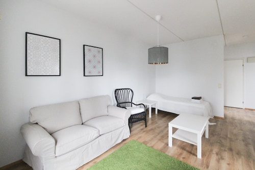 Cozy Two-bedroom Apartment in Tampere
