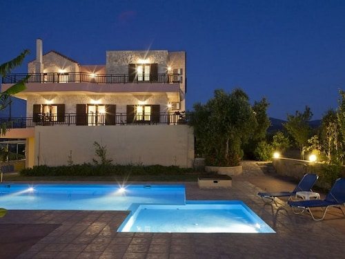 Wonderful Private Villa With A/c, Private Pool, Wifi, TV, Balcony, Washing Machine and Parking