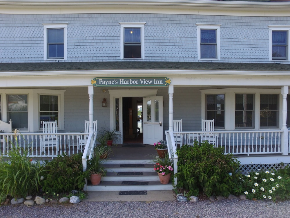 Property Entrance, Payne's Harbor View Inn