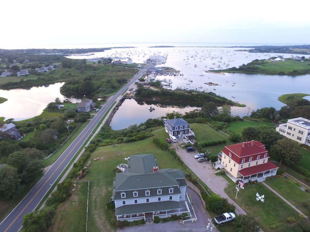 Featured Image, Payne's Harbor View Inn