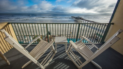 Luxury Corner Direct Ocean Front Condo - Prices Reduced for Fall Season