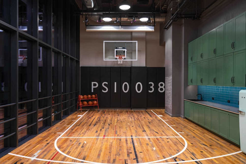 Basketball Court, Moxy NYC Downtown