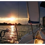 Stay Aboard Our 40-foot Private Sailing Yacht w/ 2 Cabins Private Slip & AC!