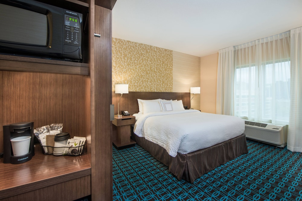Room, Fairfield Inn & Suites by Marriott Dayton