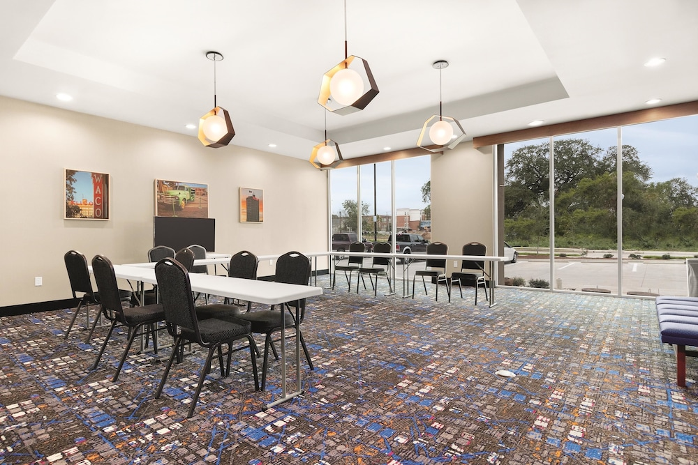 Meeting Facility, La Quinta Inn & Suites by Wyndham Waco Downtown - Baylor
