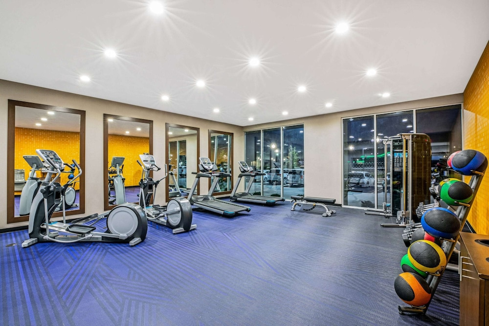 Fitness Facility, La Quinta Inn & Suites by Wyndham Waco Downtown - Baylor