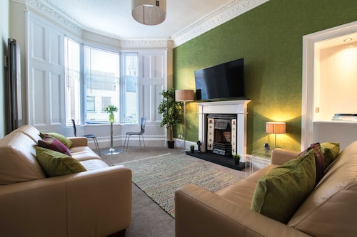 West Highland Apartments 'the Nevis' in the Heart of Milngavie Town Centre