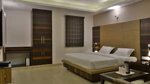 客房内保险箱、办公桌、隔音、熨斗/熨板