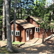 Restful Cottage For 4 On Lake George Near Traverse Cit