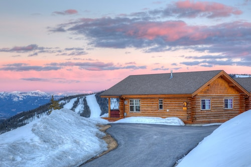 Moonlight Club! Ski-in/ski-out Cowboy Heaven Cabin W/best Views in Big Sky!