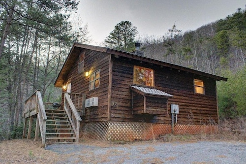 Great Place to stay Birds Eye View 1 Bedroom 1 Bathroom Cabin near Sautee Nacoochee