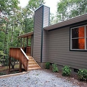 Honey Bee 1 Bedroom 1 Bathroom Cabin