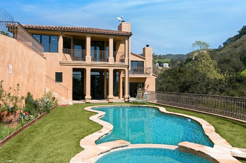 Immaculate 4br/5.5ba W/ Private Pool & Spa 4 Bedroom Villa
