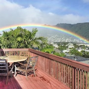Manoa Valley 3BR w/ Hot Tub & Lanai w/ Ocean View 3 Bedrooms 2.5 Bathrooms Duplex