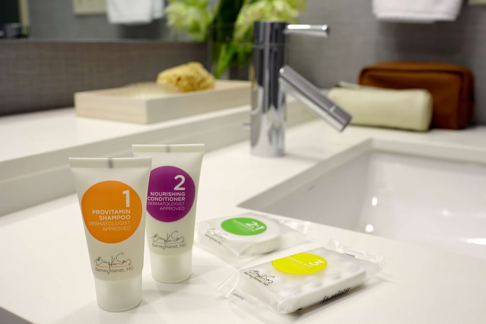 Bathroom Amenities, Hyatt Place Detroit Royal Oak
