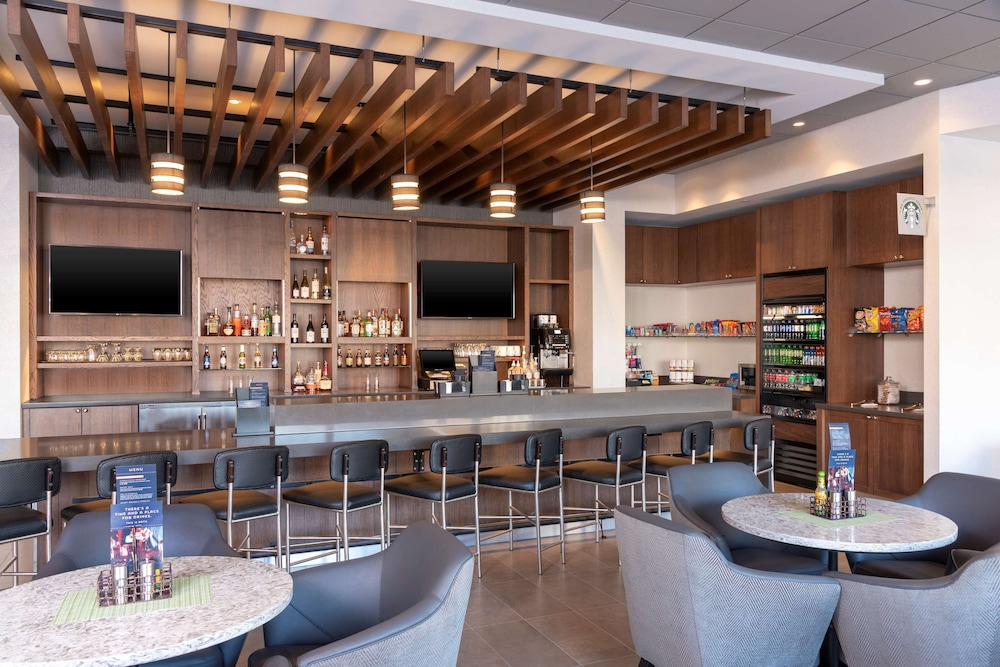 Bar, Hyatt Place Detroit Royal Oak