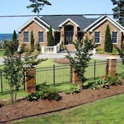 Waterfront Luxury Home In Manteo OBX