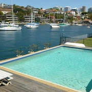 Waterfront Kirribilli Apartment - NS181
