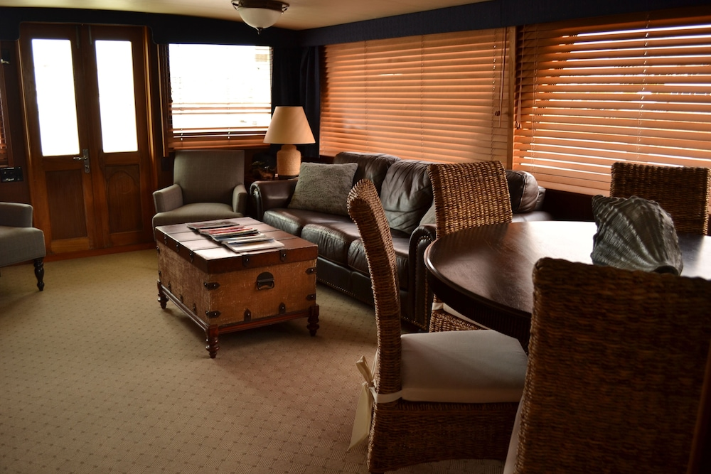 Living Room, Spend The Weekend Aboard Your Own Private Yacht In Historic Charleston