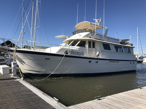 Charleston Houseboat Rentals: Find Cheap $99 Houseboat