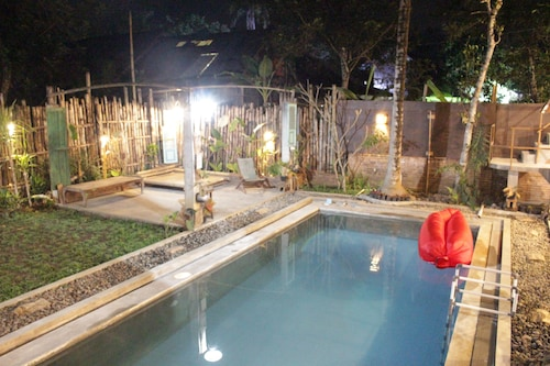 Omah Kulon Cabins and Pool