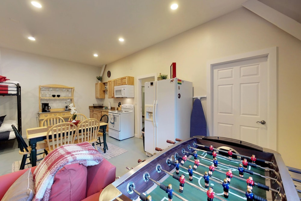 Game Room, Mountain View Home W/open Floor Plan, Pool Table, Near Leavenworth