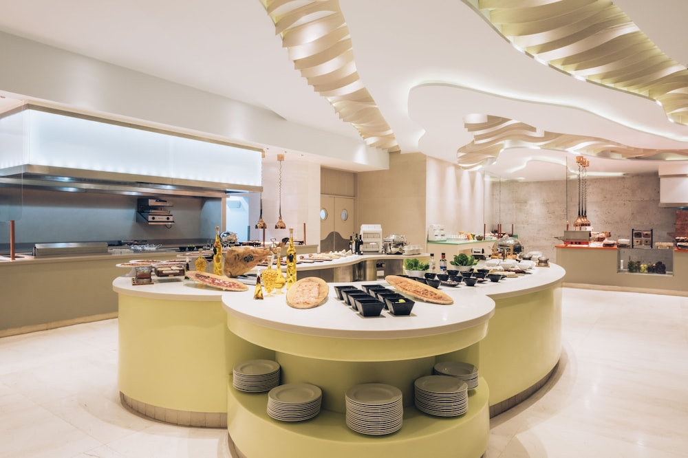 Breakfast buffet, Coral Level at Iberostar Selection Cancun Adults Only - All Inclusive