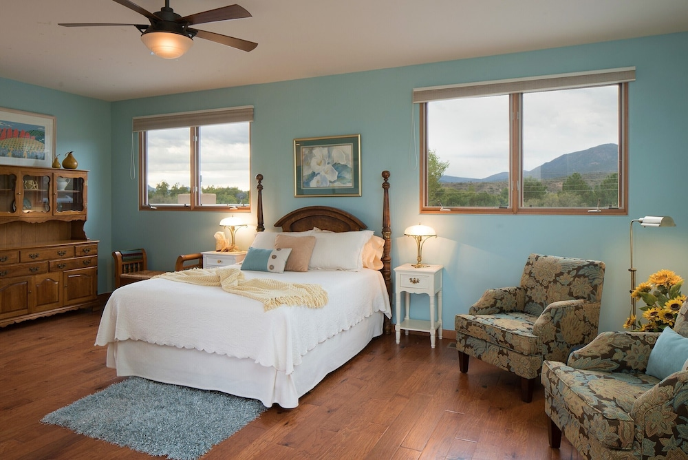 Room, Ranch House Retreat By The River ~ South Of Sedona Red Rocks
