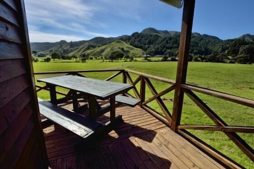 Terrace/Patio, Whitestar Farm Stay Cottage @ Colville Farm Holidays