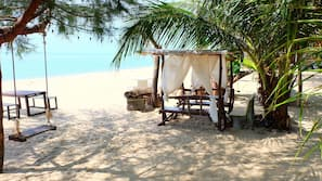 บนชายหาด, คาบาน่า (ฟรี), ร่มชายหาด
